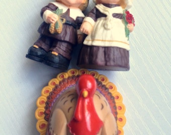 Vintage Hallmark Plastic PIlgrims and Turkey