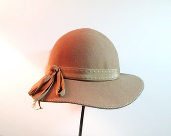 Vintage Cloche Wool Felt Camel Color Hat Mr K 1960s