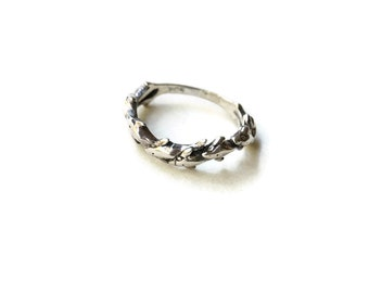 Vintage Sterling Silver Dolphins Ring