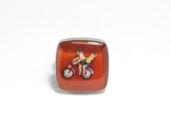 Bike lovers. Resin rings. Modern jewelry. Bike, biking, cylcling. Adjustable. Square. red, miniature,diorama, kawaii