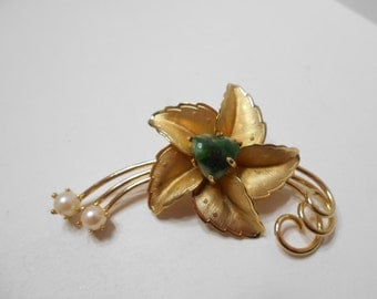 Vintage Gold Tone Flower Brooch (8052) Chrysocolla Nugget