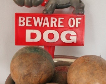 Vintage Bulldog Beware Of Dog Sign, Vintage Bulldog Sign, 1977 Art Line Plastic Sign Yard, Beware of Dog Garden Stake, Bulldog owner gift