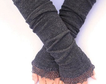 Arm warmers, fingerless gloves with wool ruffle grey