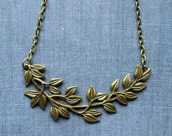 Leafy Vine Antique Bronze Boho Short Ivy Leaf Branch Necklace Bohemian Nature Lovers Fashion Jewelry Layering PaisleyBeading FREE Shipping