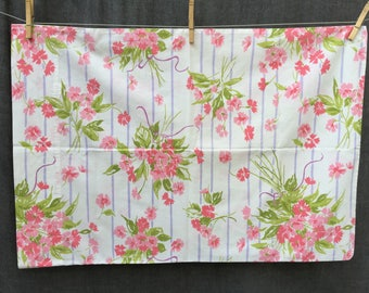 """60's Stevens Utica """"Mixed Bouquet"""" by JP Stevens x1 Standard Pillowcase"""
