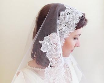 Wedding veil, illusion tulle mantilla veil with Chantilly eyelash lace, rose pattern lace veil, heirloom white wedding veil,  Style 827
