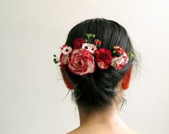 Red decorative hair comb - Made of mulberry paper flowers - Great for wedding parties