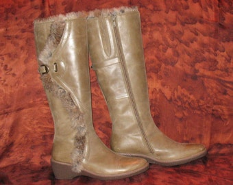 FIORUCCI Boots, Vintage Boots, 1980s Designer Boots by Fiorucci, High Fashion Tan Boots of Distressed Dark Beige Leather, 1980s, Fiorucci