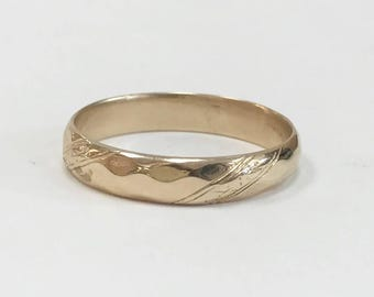 MEN'S Vintage Wedding Band - 14 karat yellow gold