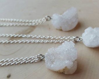 White Geode Necklace, Geode jewelry, Crystal Geode Necklace, Druzy Geode Jewelry, Geode Stone Necklace, White Geode gift, Geode Pendant
