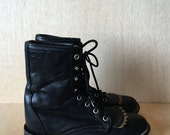 Vintage Laredo Black Lace up Kiltie Western Style Ankle Boots Two-Tone Womens Size 5 1/2