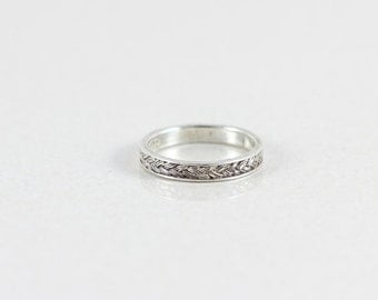 Sterling Silver Band Ring size 7 3/4