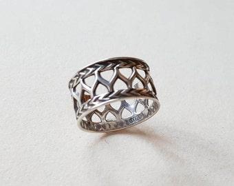 """Vintage Kalevala Koru """"Uskelan"""" sterling silver ring, 1990s (F889)"""