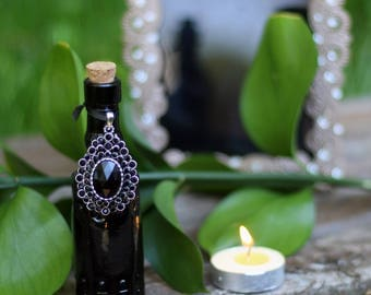 Dark Moon Divination oil for scrying, tarot reading, runes, tea leaves, wicca, paganism, witchcraft