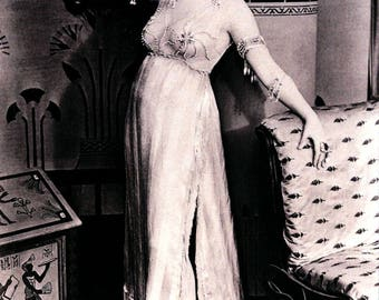 Theda Bara, Silent Film Star, Cleopatra, 1917 NCC884051