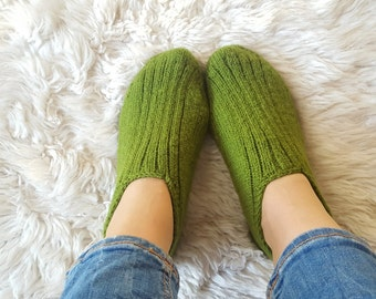Hand knitted slippers, green home shoes, warm and cozy ankle socks, home shoes for women, gift for her, seamless hand knitted wool slippers