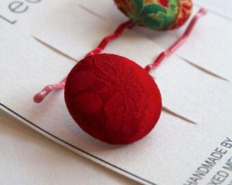 H A N D M A D E  Fabric covered button bobby pins.