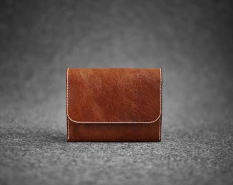 Hand-stitched leather wallet / Chestnut