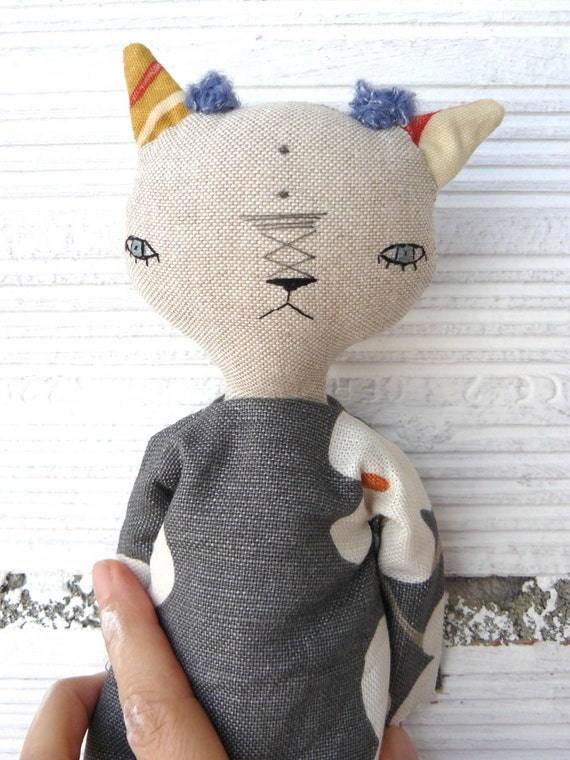 Cat doll in cotton and linen canvas