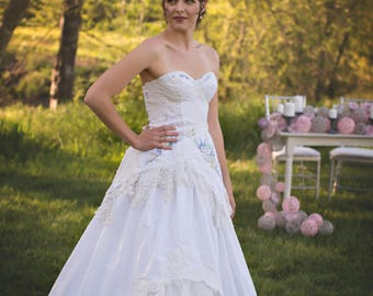 English Garden Embroidered Corset Wedding Gown~ English Storybook Romance Bridal  Corset~ Vintage Lace Garden Wedding Gown