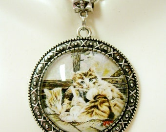 Cats on a window sill pendant with chain - CAP26-105