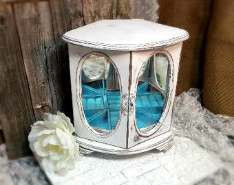 Jewelry Box, Shabby Chic Jewelry Box, White Jewelry Box, Vintage Jewelry Box, White, RobinsStudio, Shabby Chic, Recycled, Vintage, Rustic