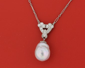 Platinum and pearl diamond necklace