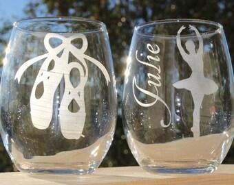 Ballet Wine Glasses // Personalized Ballerina Wine Glass // Pointe Shoes Glass // Pointe Shoe and Dance Gift // Ballet Slippers