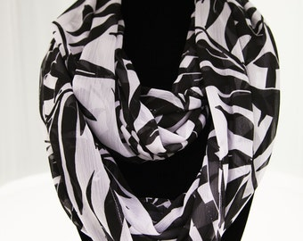 Black and White Leaf Infinity Scarf