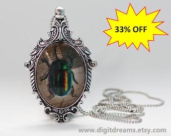 Ma27: Rainbow Beetle antique style pendant/keychain