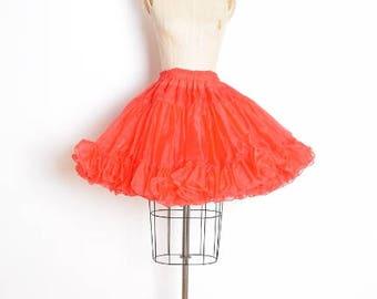 vintage 60s crinoline, 60s petticoat, red crinoline, red petticoat, tiered crinoline, fluffy puffy skirt, square dance skirt, 60s clothing