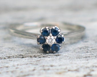 18K White Gold Sapphire and Diamond Flower Ring