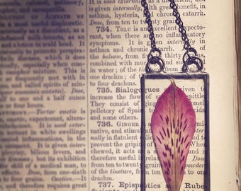 Real Peruvian Lily  Necklace, Hand Cut Glass, Wearable Terrarium, Pink Flower, mother nature, woodland, boho style, dried flower