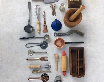 antique and vintage miniature dollhouse kitchen items, tiny kitchen utensils
