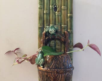 Ceramic Wall Vase Pocket Frog Bamboo