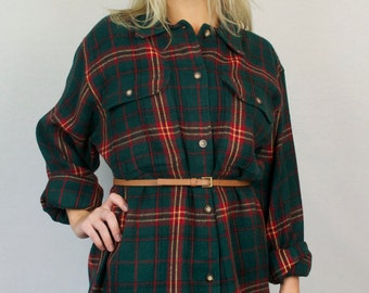Vintage 90s Flannel Plaid Red Green Button Down Oversized Long Sleeve Collared Van Heusen Shirt Top