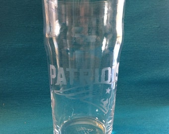 Set of 4 New England Patriots Pub Glasses