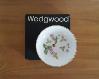 Vintage Wedgwood Wild Strawberry Small Plate