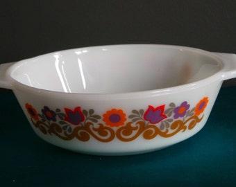 Vintage pyrex - JAJ pyrex Briarwood casserole dish