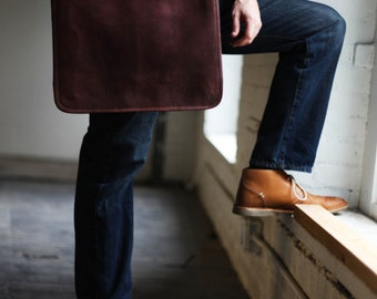 Custom Dane Men's Leather Messenger Bag