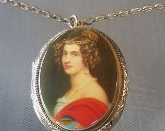 Vintage Victorian Lady Cameo Locket Necklace