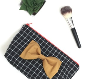 Makeup bag, travel bag, large zipper pouch, travel organizer, bow makeup bag, make-up bag, makeup case, makeup, gift for her, plaidmakeup