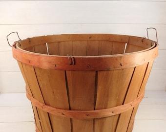Vintage Split Wood Bushel Basket, Primitive Basket, Farmhouse Chic