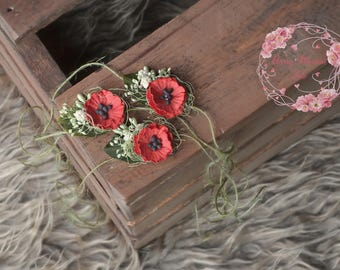 Red POPPY tiebacks,dainty newborn headbands,sitter photo props,UK seller,red and green tieback,poppy prop