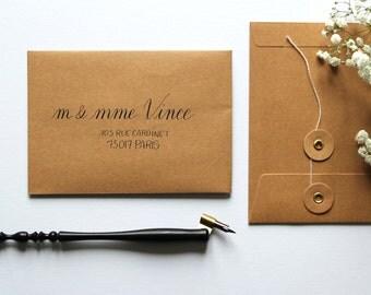Enveloppes calligraphie à la main - mariage, baptême et tout événement | Style Meltemi | Calligraphie d'adresses invitation événements