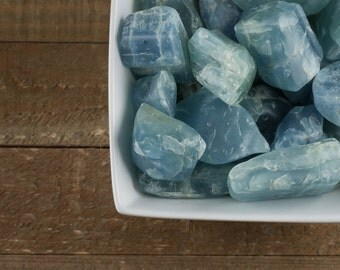 One Large Tumbled Raw AQUAMARINE Crystal - Raw Crystal, Aquamarine Stone, Blue Crystal, Healing Crystal, Tumbled Gemstone Chakra Stone E0043