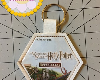 Wizarding World of Harry Potter Hogsmeade Keychain