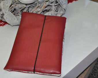 Tablet bag with 2 Innefäche exterior synthetic leather