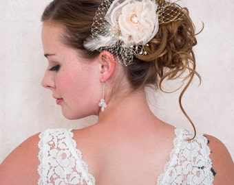 Rose Hair Comb in Peach Silk and Champagne Veil, Silk Organza Flower, Bridal Wedding