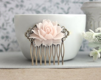 Blush Pink Rose Hair Comb. Antique Brass Rustic Pink Hair Comb. Wedding Comb. Bridesmaids Hair Comb, Bridesmaids Gifts. Blush Pink Wedding